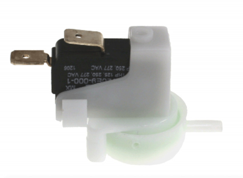 Anti-return pneumatic switch